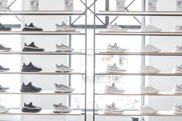 """Rezet Sneaker Store: """"Vi kan være med til at præge de trends, som vi ser i modebilledet"""""""